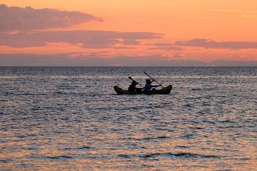 canoeing-3600550__340